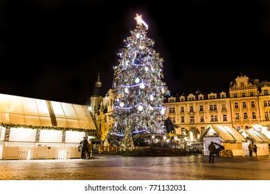 Christmas in Oldtown square (czech: Staromestske namesti) Prague