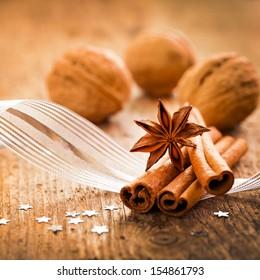 christmas spices cinnamon and anise