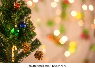 Christmas tree background and beautiful blurry background