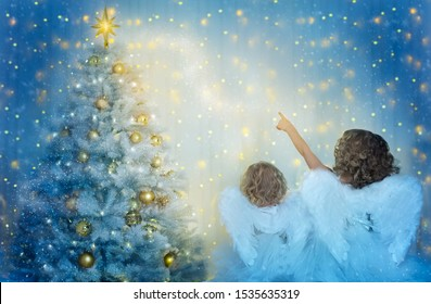 Christmas Tree and Children Looking to Star, Kids with Wings as Xmas Angels in Night Lights