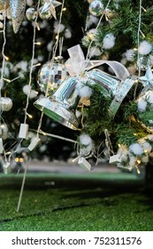 Christmas tree decoration backgrounds / Celebrities Christmas time