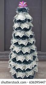 Christmas tree dollar