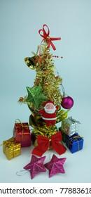 Christmas tree has a gift box to decorate the Christmas season.
