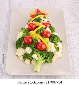 christmas tree with vegetables