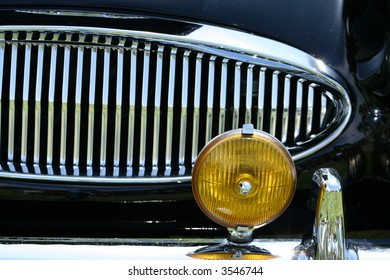 chrome grill and amber turn signal
