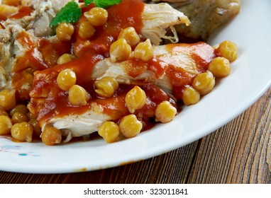 chtitha poulet - Chicken stew with chickpeas and sauce. Algerian cuisine