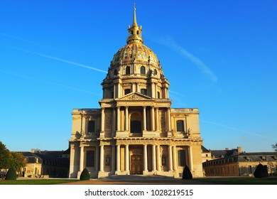Church of the House of Disabled - Les Invalides (complex of museums and monuments in Paris military history of France. Tomb of Napoleon Bonaparte)