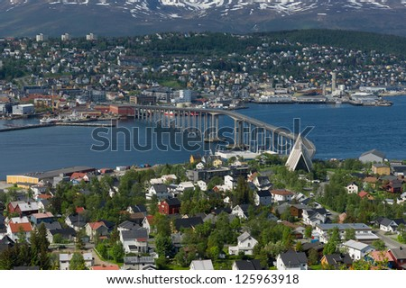 The church Ishavskatedralen and the bridge to the city of Tromso