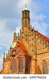 Church of Our Lady (Frauenkirche) with the Männleinlaufen, a mechanical clock that commemorates the Golden Bull of 1356, Nuremberg (Nürnberger), Bavaria (Bayern), Germany (Deutschland)