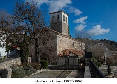 Kirche San Pedro Apostol, in der Gemeinde Olmeda de las Fuentes, Provinz Madrid, Spanien