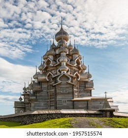Church of the Transfiguration on Kizhi Island. The architectural ensemble of Kizhi Pogost. Russia