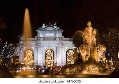 Cibeles Fountain and Alcala Gate at night