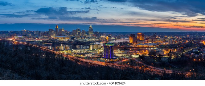 Cincinnati skyline at twilight