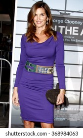 """Cindy Crawford at the Los Angeles Premiere of """"Up In The Air"""" held at the Man Village Theater in Westwood, USA on November 30, 2009."""