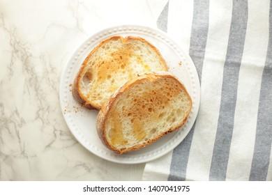 Cinnamon powder and honey french toast