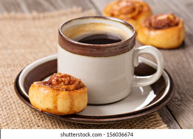 Cinnamon rolls with coffee