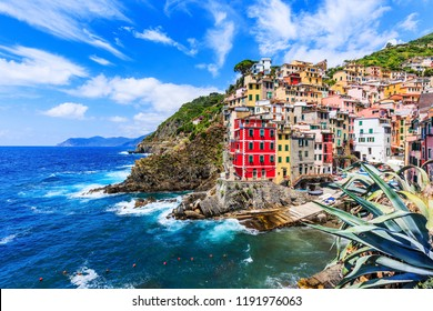 Cinque Terre, Riomaggiore. Fishing village in Cinque Terre national park, Italy.