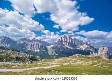 Cinque Torri di Averau pillars, Nuvolau mountain group as seen from trail down from Rifugio Nuvolau, Dolomiti Ampezzane, Eastern Dolomites, Cortina d'Ampezzo, Belluno, Veneto, Italy