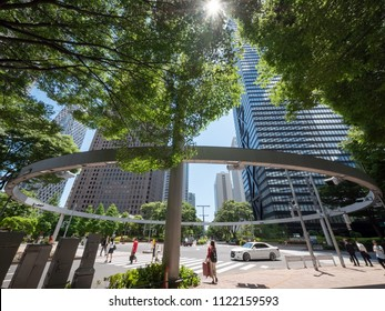 Circle Crossing in the Cityscape