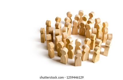 Circle of a large crowd of people. Concept of cooperation and meeting, finding solutions and communication. Society and community. Employees at the briefing. crowd management. cooperation and meeting