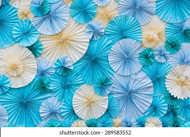 circle shape of origami blue and white papers for Background texture
