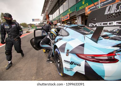 Circuit de Spa-Francorchamps, Belgium, 3 May 2019. Friday practice WEC Total 6 Hours of Spa. Dempsey-Proton Racing Porsche 911 RSR pit stop and driver change.