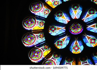 Circular pattern stained glass window