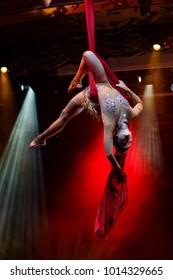 Circus, fly, performance, art, aerial silk