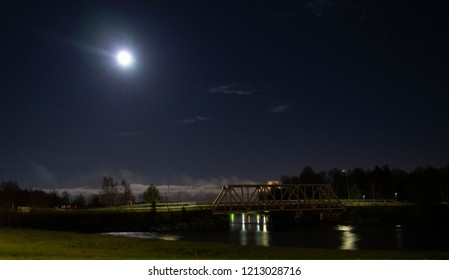 City by nigh, on the rivert, Oulu Finland