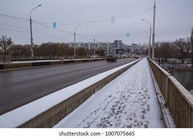 city car bridge in winter