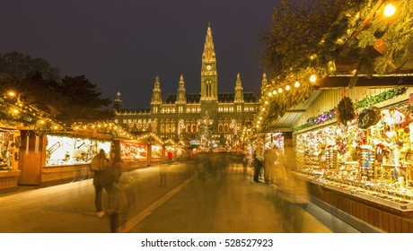 City Hall (Rathaus) and christmas market in Vienna,(Merry Christmas),Vienna,Austria