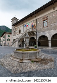City Hall and water well. Venzone, Northern Italy.