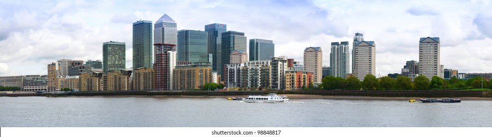 City of London, the leading centre of global finance. Panoramic view from Canary Warf