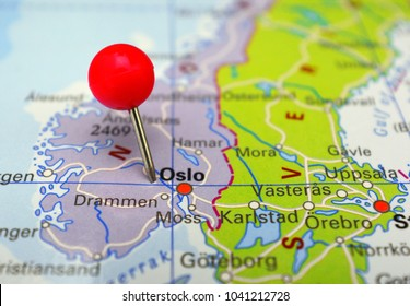 City of Oslo marked on map with red pin, Norway