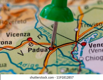 The city of Padua marked with a pin on a map.
