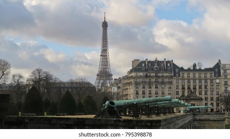 City of Paris / Eiffel Tower  Clear Day View