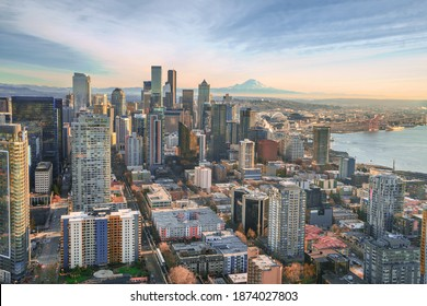The city of Seattle with Mount Rainier