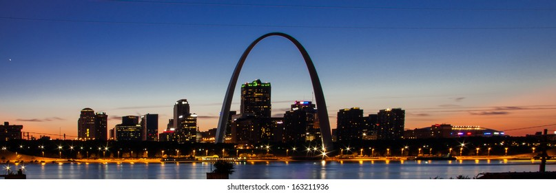 The city skyline of St. Louis with Gateway Arch, Missouri.
