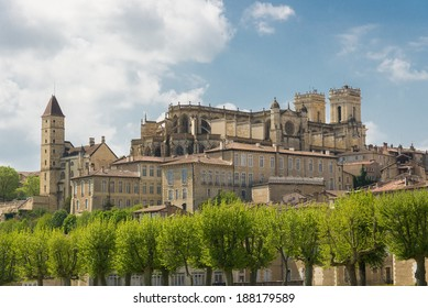 Cityscape of Auch, capital of Gascony with its cathedral, Gers, France