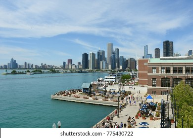 Cityscape of Chicago and Navy Pier Park