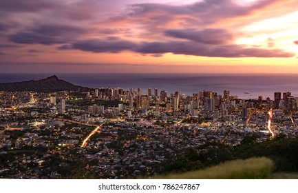 Cityscape and Diamond Head Mountain under sunset at Tantalus Lookout, Honolulu, Hawaii