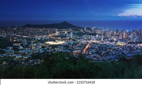 Cityscape of Honolulu city and Diamond Head from Tantalus lookout in the Puu Ualaka'a State Park, Honolulu, Oahu, Hawaii USA