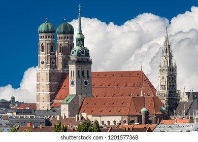 Cityscape of Munich with the Cathedral of Our Dear Lady (Frauenkirche), the church of Saint Peter and the New Town Hall (Neues Rathaus). Bavaria, Germany