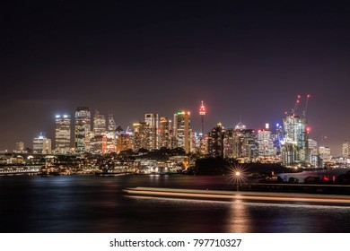 cityscape at night of Sydney, the popular illuminated light building in busy city area. The attractive night view for photographers and tourists. Australia: 23-03-2016