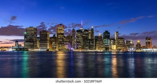 Cityscape of the waterfront of New York, seen from Brooklyn