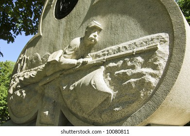 civil war monument and crawling soldier