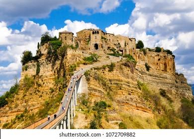 Civita di Bagnoregio, way to the mountain city