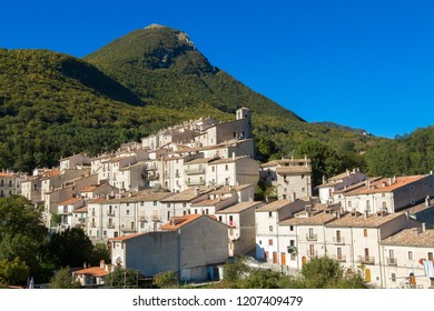 civitella alfedena uncontaminated nature national park abruzzo italy national park abruzzo italy