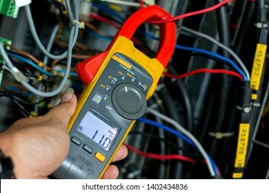 clamp meter check current in panel