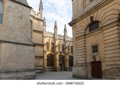 Clarendon Building Courtyard Oxford 18.07.2019 with Sheldonian Theatre